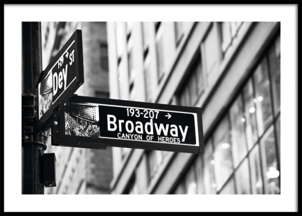 Broadway Sign Poster i gruppen Studio Collections / Studio Cosmopolitan / New York hos Desenio AB (11311)