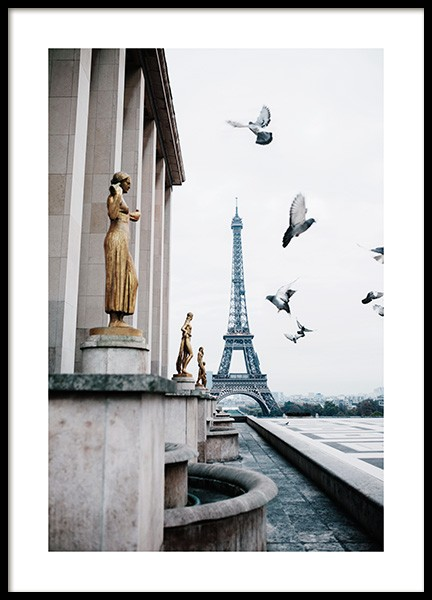 Eiffel Tower and Flying Pigeons Poster i gruppen  hos Desenio AB (13387)
