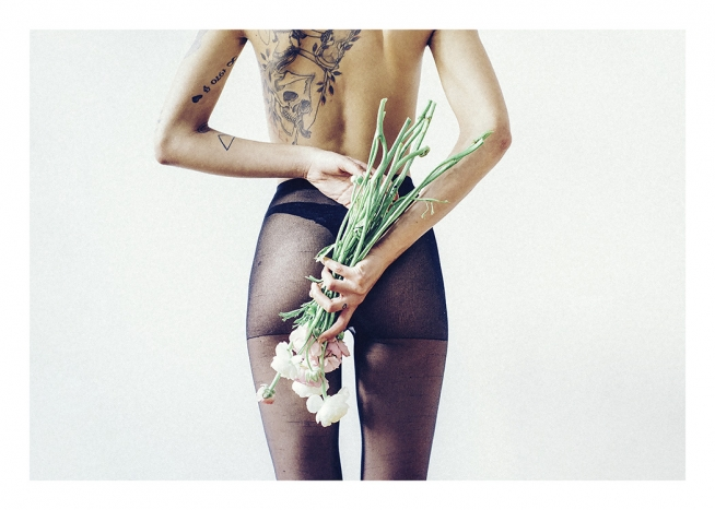 Flowers and Tights Poster / Fotokonst hos Desenio AB (11195)