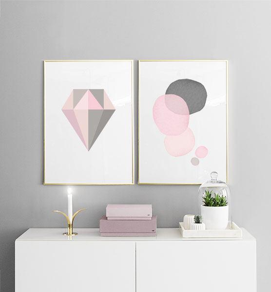 ... rosa och grått  Stilren inredningsdetalj  Snygga prints till sovrum