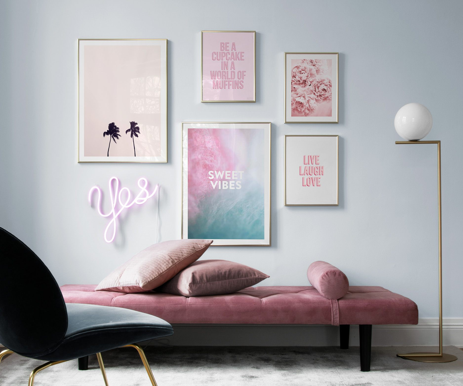 Elegant tavelvägg i mjuka pasteller