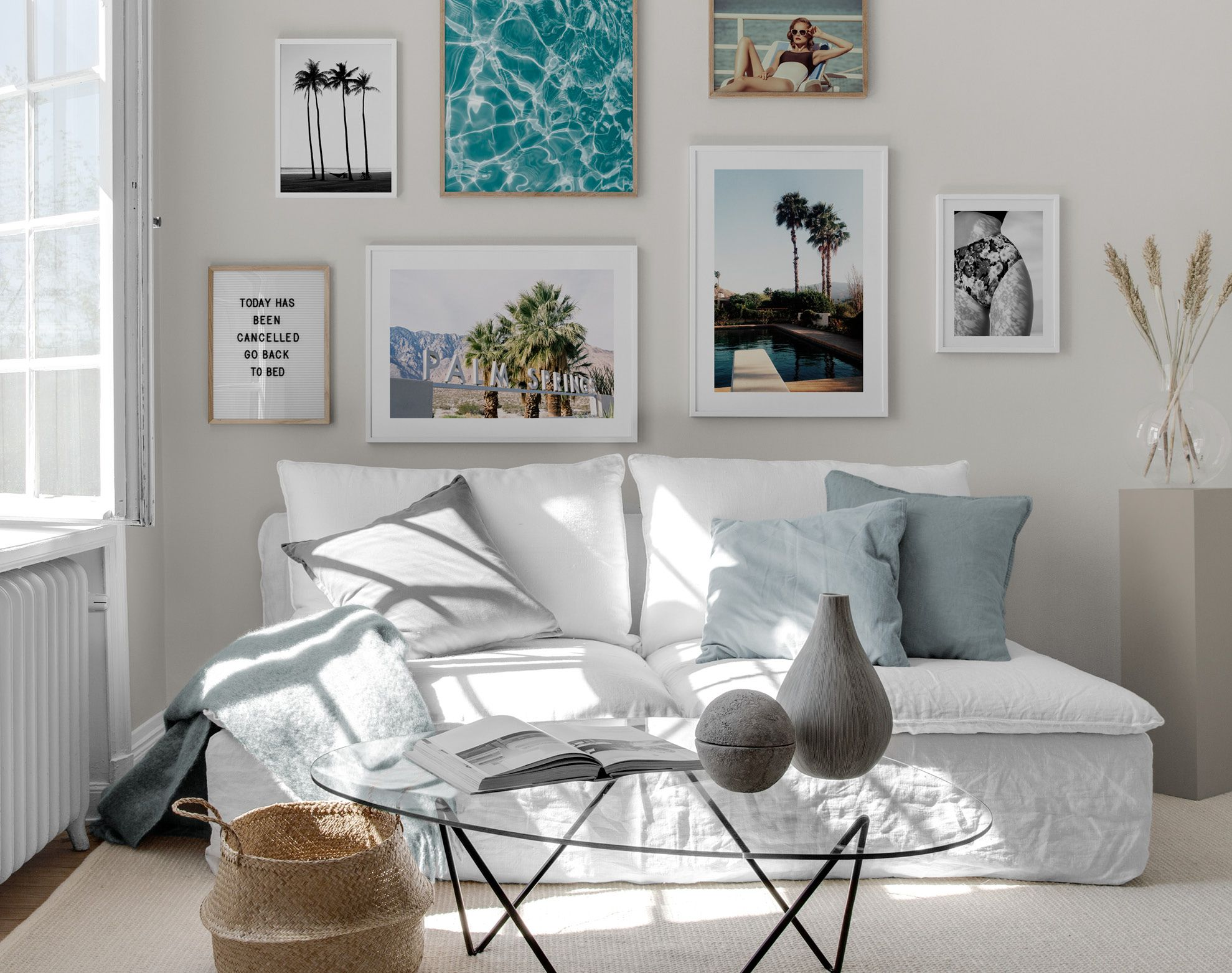 inspiration f r sch ne wohnzimmer bilderwand mit postern desenio. Black Bedroom Furniture Sets. Home Design Ideas