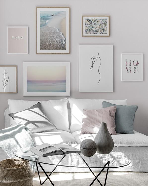 Pastellfärgad inredning med tavlor