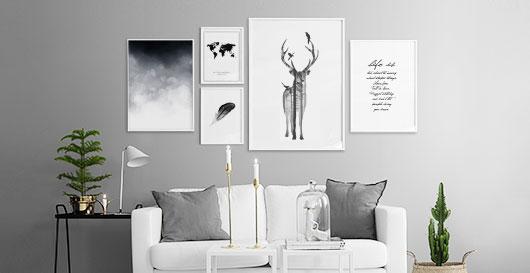 Affischer och planscher i en snygg tavelvägg. Beställ din affisch online på nätet idag.